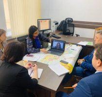 Команда министерства и примары страны обсуждают COVID-19 онлайн