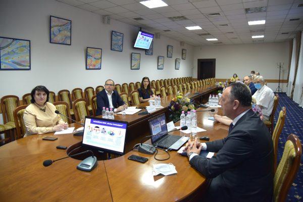 """Viorica Dumbrăveanu într-o vizită de lucru la USMF """"Nicolae Testemițanu"""""""