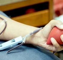 Donează plasmă pentru a ajuta pacienții în stare gravă care luptă cu infecția COVID-19