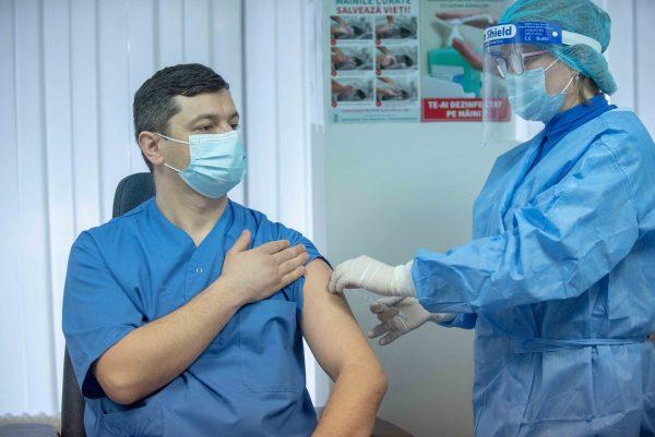 Сегодня в Республике Молдова началась кампания по вакцинации от COVID-19