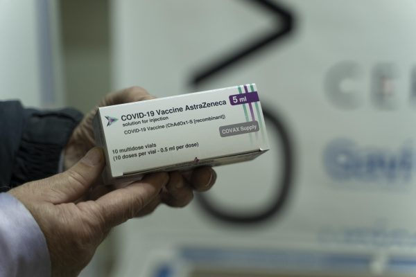 Republica Moldova a recepționat alte două loturi de vaccin împotriva COVID-19 din partea COVAX și a României