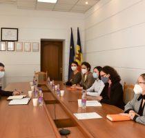 Combaterea violenței în familie și promovarea drepturilor femeilor și copiilor victime ale violenței, o prioritate pe agenda Ministerului Muncii și Protecției Sociale